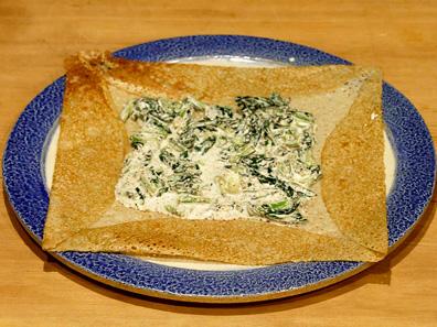 旬の青菜のマスタードクリームソース